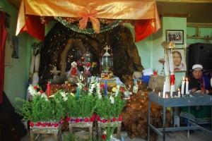 altar with santos