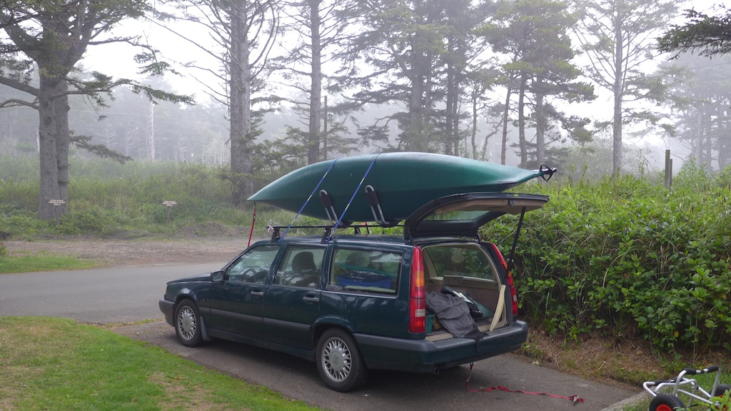 volvo with kayak